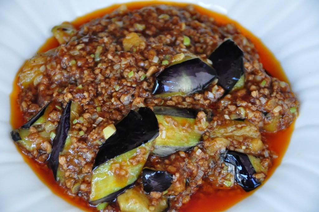 魚香茄子 (茄子とひき肉の四川風唐辛子煮) 1,680円