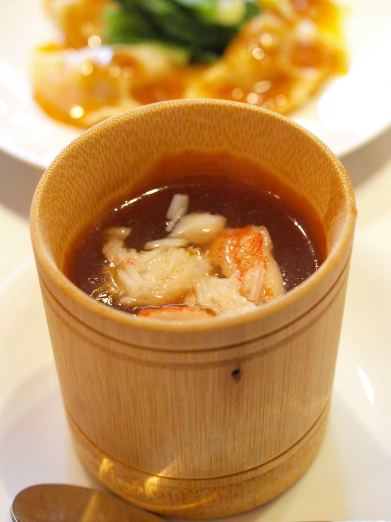 蟹肉魚翅 (蟹肉入りフカヒレスープ)